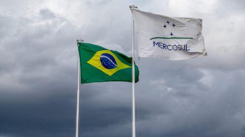 Qual é a relação do Brasil com o Mercosul (logística)?